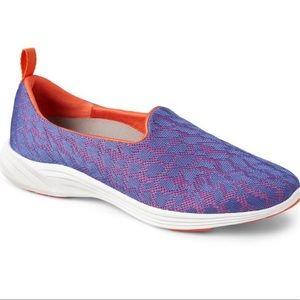 NWT Vionic Hydra Slip On Sneakers 6.5 8 8.5 9